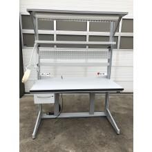 OCC-19-036 | GEBRUIKTE Showroom Montagetafel, elektrisch hoogteverstelbaar (680 - 1040mm)